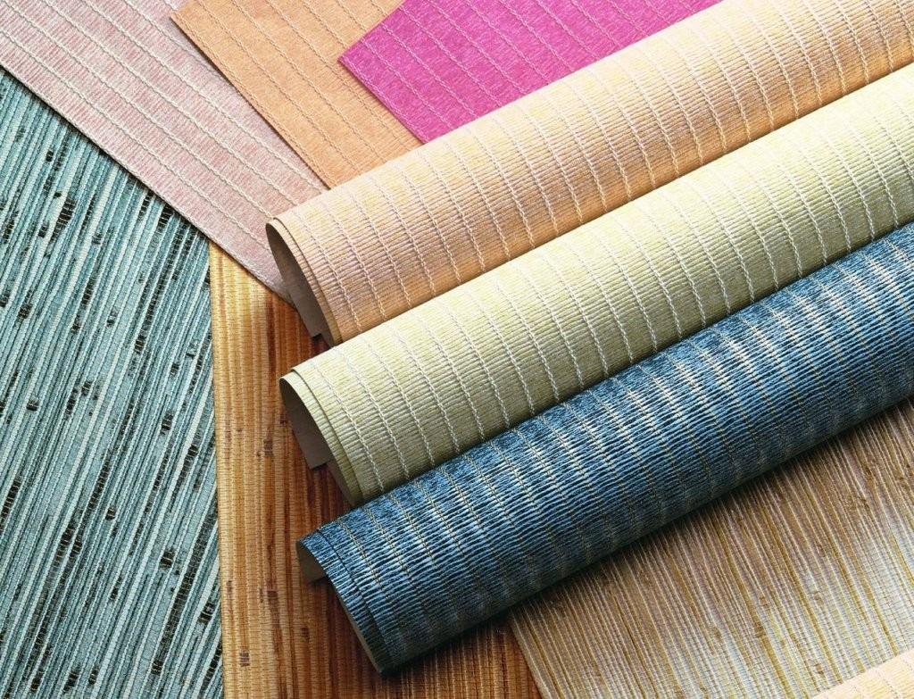 Существует широкое разнообразие обоев по цветам и материалам