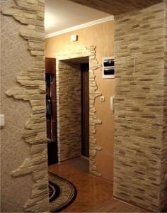 Ремонт квартиры, отделка стен камнем, обои